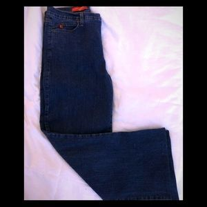 NYDJ Tummy Tuck Jeans In size 14, never worn